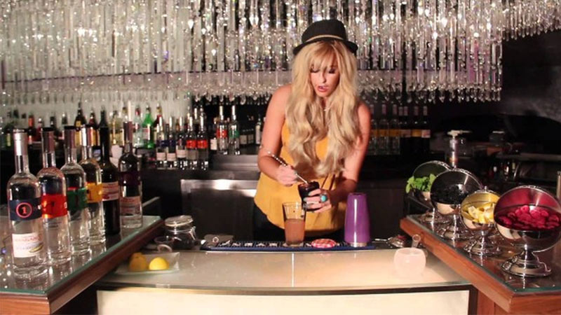 Mariena Mercer, The Chandelier Bar at Cosmopolitan hotel – Las Vegas