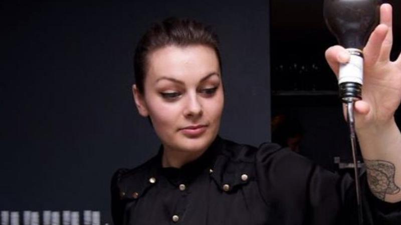 Mimi Lorandová, Hawksmoore Seven Dials – London